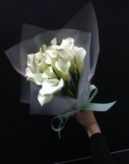 Bouquet of 15 white callas | Flowers to girlfriend flowers