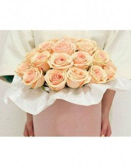 Original box with roses | Pink flowers to mother inexpensive flowers